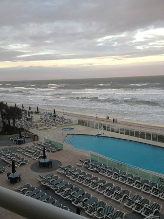 Royal Floridian Resort: VIEW FROM BALCONY
