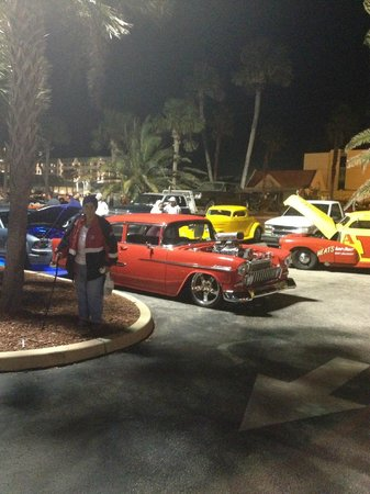 Royal Floridian Resort: TURKEY ROD RUN WAS ON THIS WEEK LOTS OF CARS RUNNING AROUND