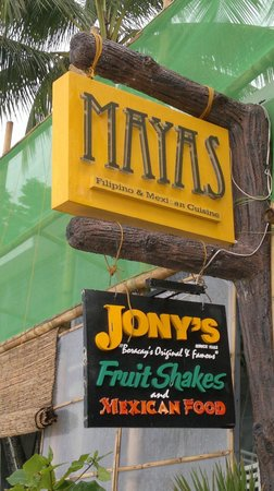 Jony's Beach Resort: Mayas restaurant on the beach,