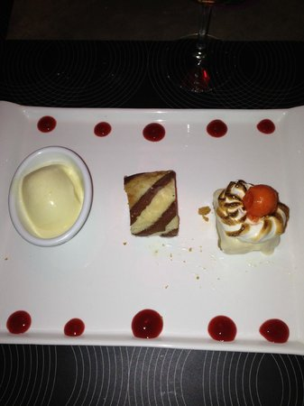 Hotel Laguna Mar: Coconut ice cream, pastry and meringue-like pie made by chef Pablo - awesome!