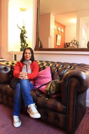 Hotel Victoria Chatelet: Minha esposa na recepção