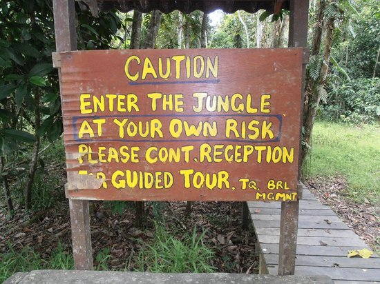 Bilit Rainforest Lodge: Sign at entrance to the jungle walk