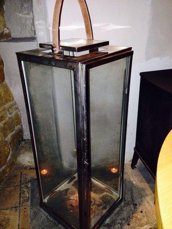 The Three Pigeons Inn : Lanterns in dining room.