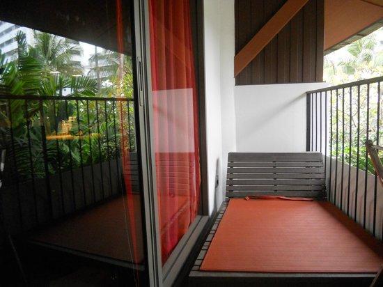 Patong Beach Hotel: room balcony