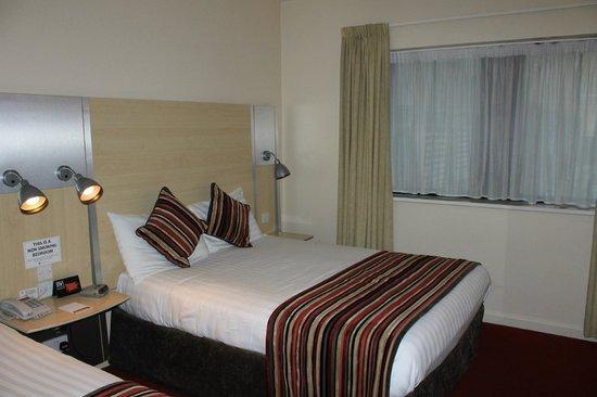 Da Vinci's Hotel Derry : bed