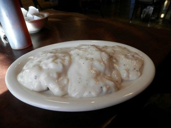 Woodshed Cafe : Biscuts and Gravy