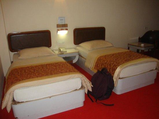 Blue Diamond Hotel : The Beds