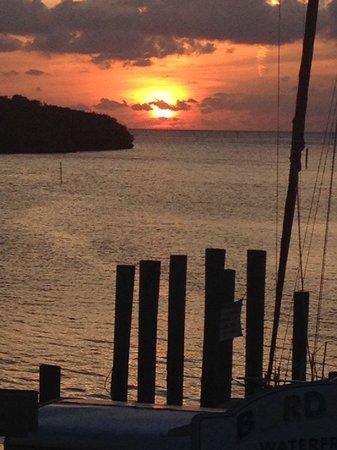 Burdines Waterfront: Amazing sunset at Burdines tiki restaurant