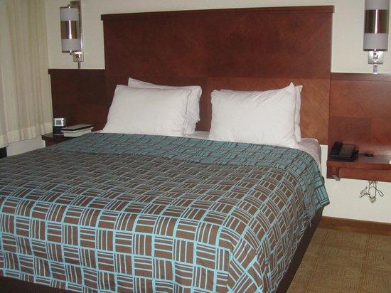 Hyatt Place Ontario / Rancho Cucamonga : room 402