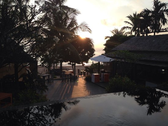 New Star Beach Resort: Sunrise from dining room