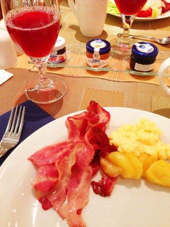 Hilton Prague: 朝食ビュッフェ、とってもおいしかったです