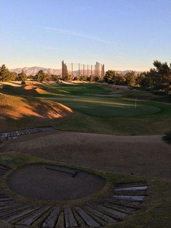 Desert Pines Golf Club : desert pines - #12 green from behind