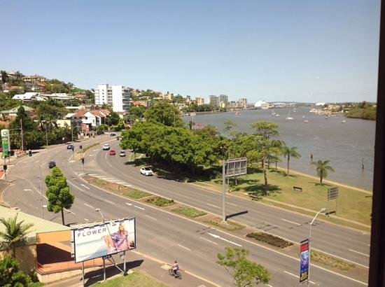 Brisbane Riverview Hotel: overlooking the river