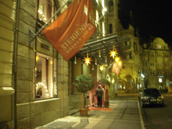 Steigenberger Hotel Thüringer Hof: ホテルの外側