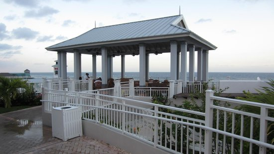 Beaches Ocho Rios Resort & Golf Club: Outdoor BBQ Dining area overlooking the ocean
