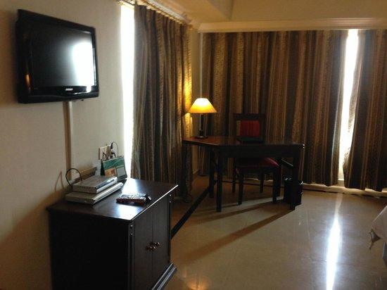 Swosti Premium Hotel: Room
