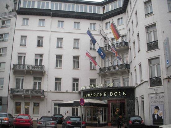 Radisson Blu Schwarzer Bock Hotel: ホテル外観です。