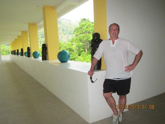 Grand Bleu Ocean View Pool Suite: Main complex - Acceptable accomodations