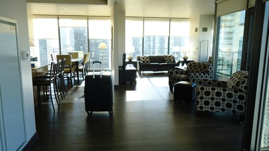 State and Grand by BridgeStreet Worldwide: Viewing the Dinning and Living Room