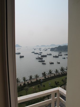 Thao Minh New Star Hotel: View looking from Small balcony