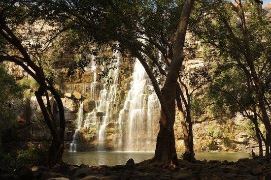 Shivam Tourist Guest House: Beatiful waterfalls near Bundi