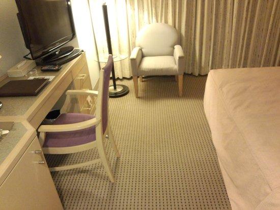 Sapporo Tobu Hotel : 部屋はかなり広いです
