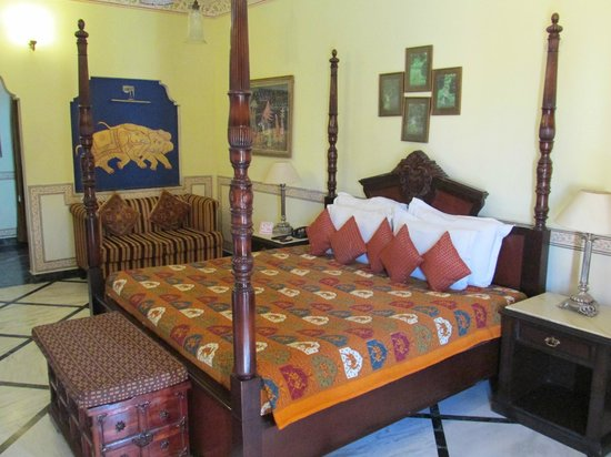 Umaid Bhawan Heritage House Hotel: Room View2
