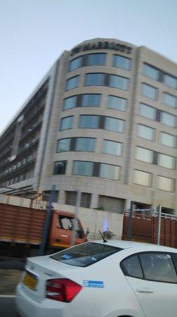 JW Marriott Hotel New Delhi Aerocity: facade