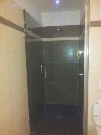 Parc Hotel Du Lac: doccia