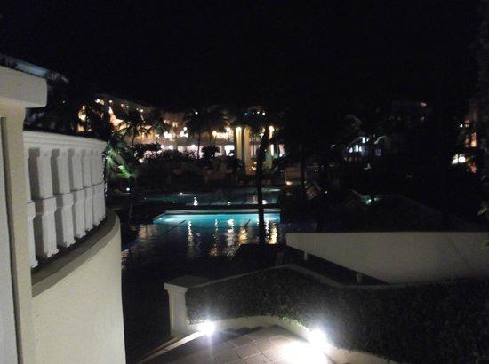El Conquistador Resort, A Waldorf Astoria Resort: @ night
