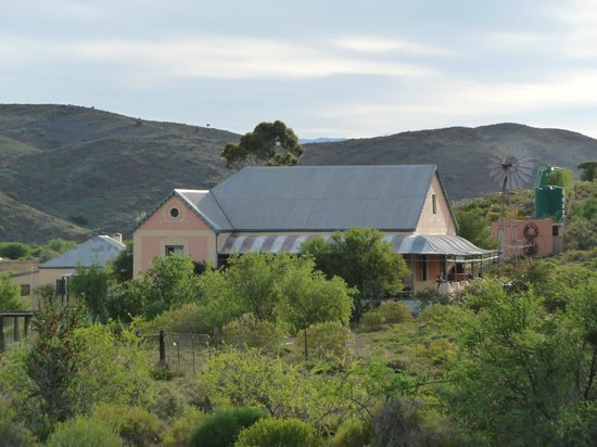Wolverfontein Karoo Cottages: View of the stunning Victorian main house