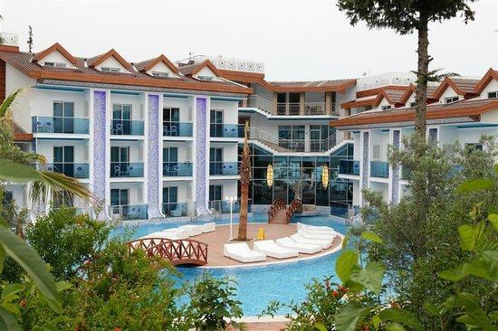 Ocean Blue High Class Hotel: Pool View
