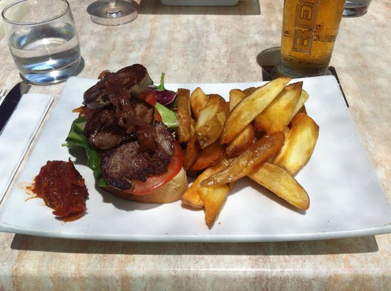 Zoo Bar and Cafe: Open Steak Sandwich