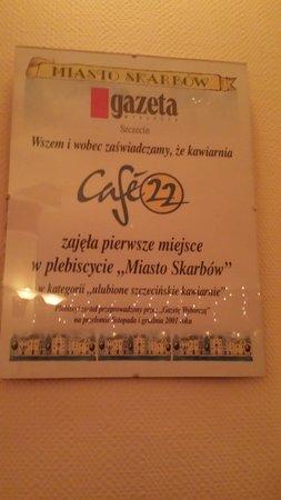 22 Cafe: Cafe 22 plate