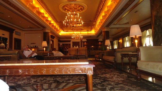 Royal Ascot Hotel: Hotel Lounge area