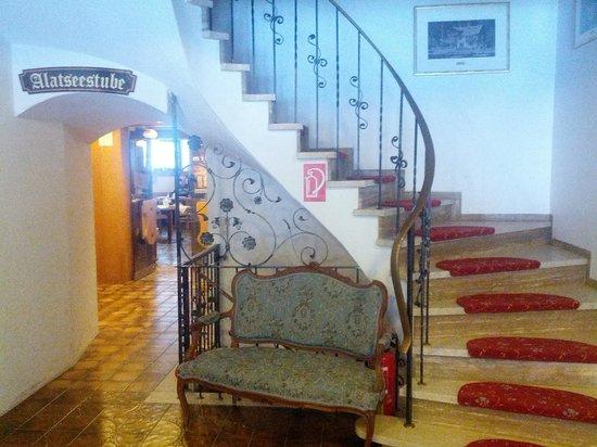 Ruchti's Hotel und Restaurant : лестница на второй этаж