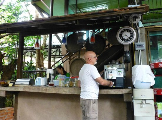 Baan Nattawadee: The coffee machine - an asset!