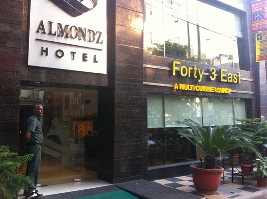 Almondz Hotel : Tasty Food. clean Room. Location was very good.