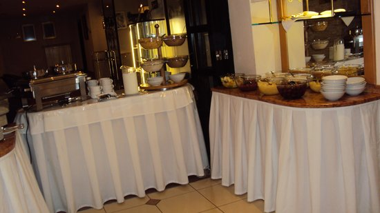 Hotel Ametyst Prague: buffet du petit déjeuner ..