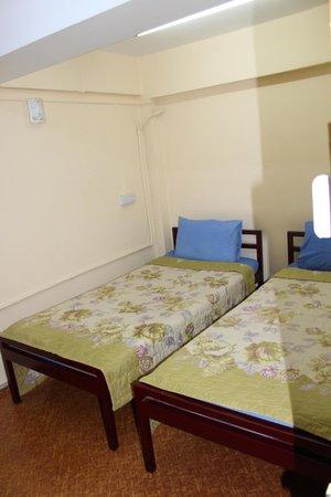Hninn Si Budget Inn: Clean but windowless room