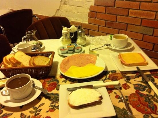 Bai Panzio: Breakfast for Two
