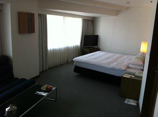 United Hotel : ベッドの大きさは十分でした。