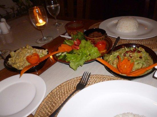 Shwe Ingyinn Hotel: Delicious authentic Burmese Cuisine