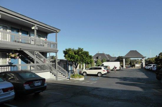 Comfort Inn Monterey Bay : Parking area