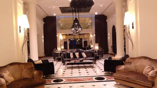 Leon's Place Hotel : Lobby