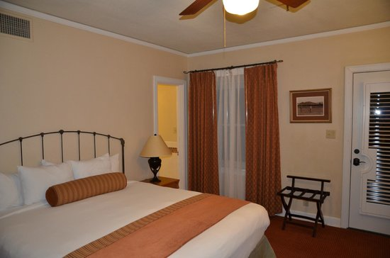Furnace Creek Inn and Ranch Resort: Deluxe King # 225