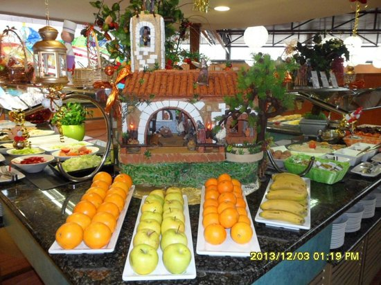 Servigroup Rialto : One of the Christmas displays in the Restaurant