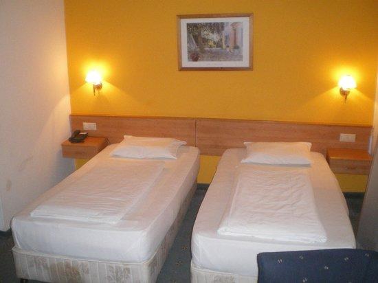 Golden Park Hotel: Zi 320