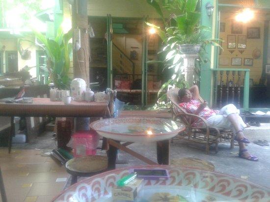 Baan Tepa : Courtyard to chill
