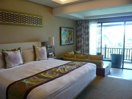 Shangri-La's Rasa Ria Resort & Spa: Ocean view room